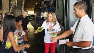 Campanha sobre uso do cinto de segurança em ônibus movimenta rodoviária de BH