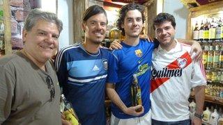 Na véspera do jogo em Belo Horizonte, visitantes argentinos invadem o Mercado Central