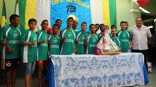Escolas estaduais com bom desempenho nos Jogos Escolares são premiadas com kits esportivos