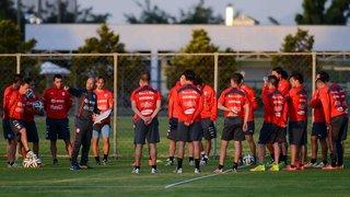 Seleção do Chile treina em Belo Horizonte em preparação para a partida contra o Brasil