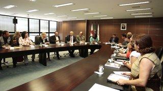 Grupo de Trabalho realiza reunião para tratar da valorização dos trabalhadores da Educação