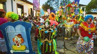 Abertura do Carnaval minero lembra a importância do consumo consciente de água durante a festa
