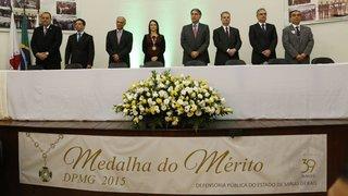 Fernando Pimentel recebe o Grande Colar do Mérito da Defensoria Pública
