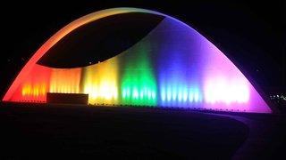 Governo de Minas Gerais ilumina o Auditório JK em homenagem à diversidade de gênero