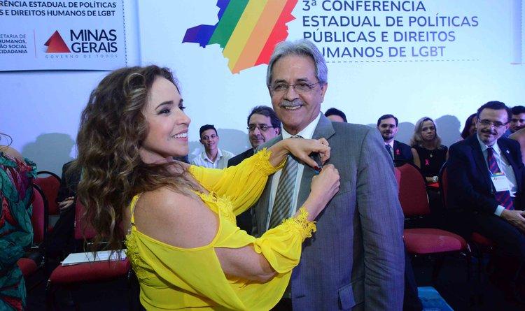 Ao lado de Daniela Mercury, Nilmário Miranda também anunciou a adesão à campanha Livre e Iguais